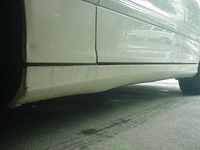 メルセデスベンツ Cクラスワゴン サイドスポイラー修理