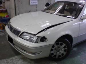 トヨタ マークⅡ ボンネット・ヘッドライト中古部品取替 コアサポート板金塗装修理