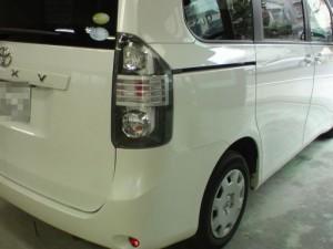 トヨタ VOXY(ヴォクシー) 右リアフェンダ板金塗装修理